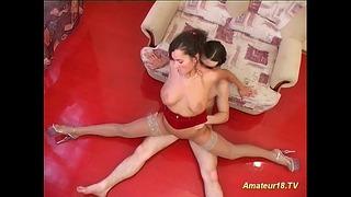 Flexible Sex With Curvy Girl