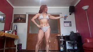 Workout Sexy De Hombros De La Escultural Diosa Mature